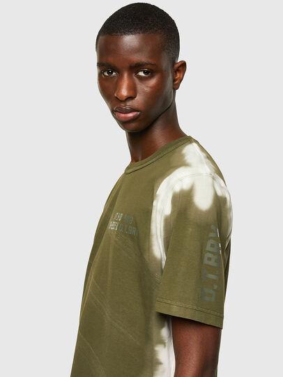 Diesel - T-JUBIND-SLITS-A3, Verde Militar - Camisetas - Image 3